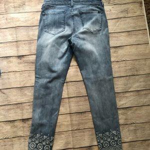Buffalo David Bitton Jeans - Buffalo David Bitton cropped Jean Size 28